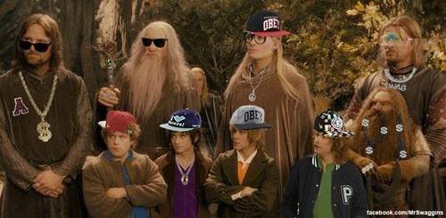 thisdayandage:  marasbazaar:  frotom:  Brodo Swaggins & the Fellowship of the Bling  I laughed so hard, sorry…  i can't fucking breathe help