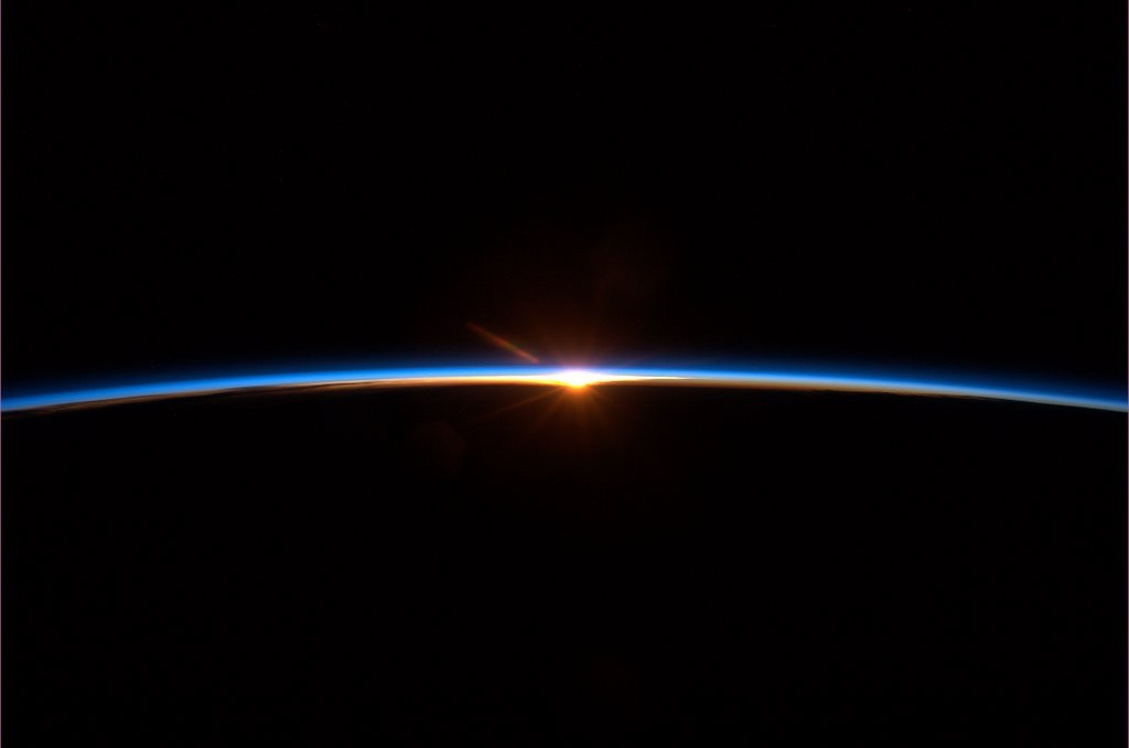 "david:  ""Spaceflight finale: To some this may look like a sunset. But it's a new dawn."" – Col. Chris Hadfield  tumblr: tng"