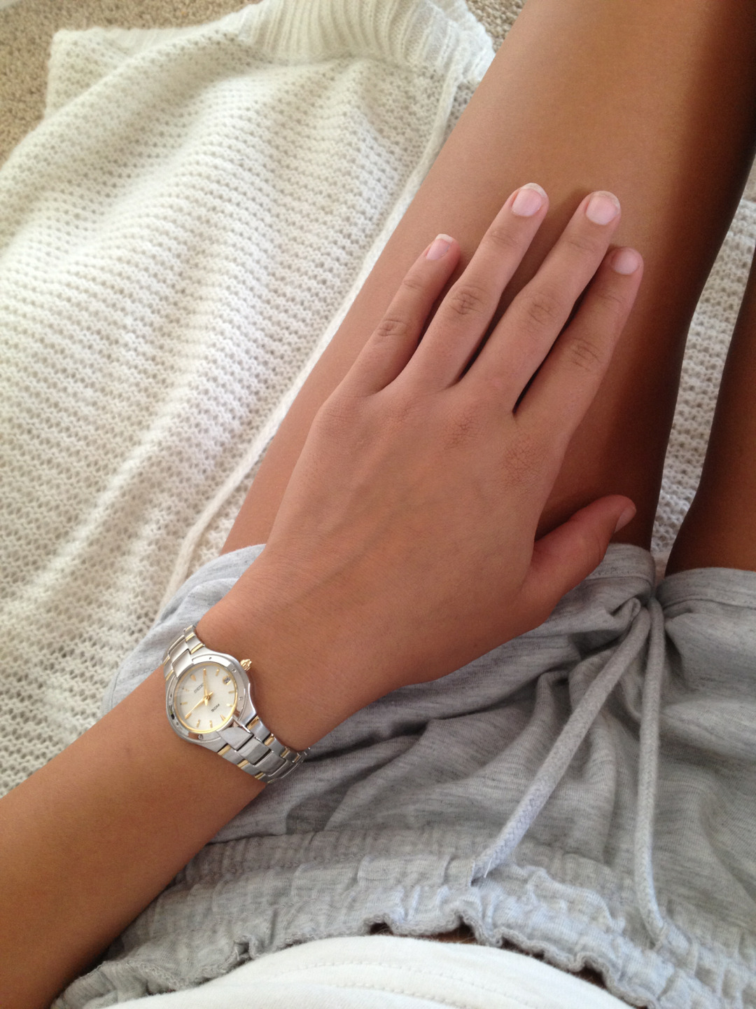 euoria:  euoria:  hus-h:  finally wearing my watch ~   ☼more posts like these here☼     lustire:  scar-covered:  satisfied-enough:  happy—tears:  b-udi:  black-kohl:  i found the best blog on tumblr its actually so gorgeous. im sorry for promoting on a photo but its actually perfect and i want everyone to see it, her links hereshe follows most blogs back and if you ask nicely she does promos. idk but you should check her out because shes hot and has a great blog.  she promoted me :) i gained heaps haah    her blogs perfect  wow her blog! where have you been all my life
