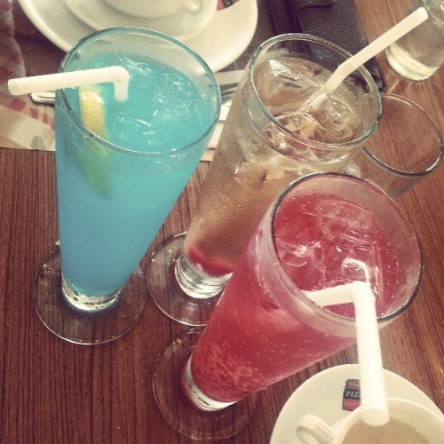 Blue Lemon Slush + Big Apple + Shirley Temple to beat the heat #refreshments