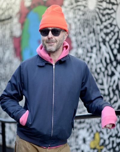 Designer Steven Cox's bursts of pink and orange are fantastic…West Village, NYC (via Dapper Lou)