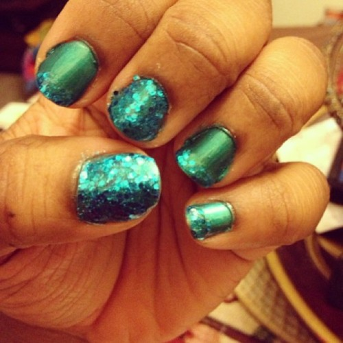 #nails #nailfun #iheartnailpolish #nailpolishjunkie #quickmani #blue #sparkle #keepcalmandpaintyournails💕😁💅
