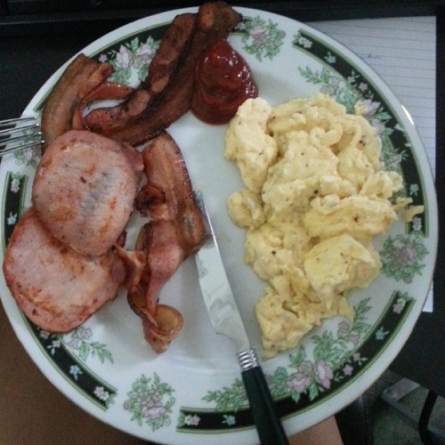 Bacon and eggs everyday. It fits my macros. You jelly?
