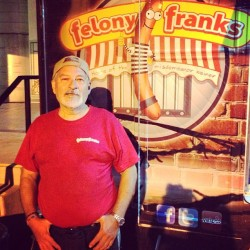 Local #ArtsDistrict resident Arturo Nunez managing truck for @FelonyFranksLA  (at Angel City Brewery)