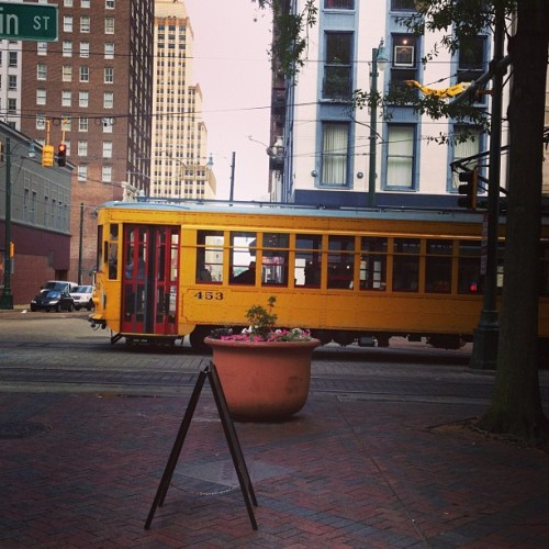 Memphis trollies / on Instagram http://bit.ly/193Ru7L