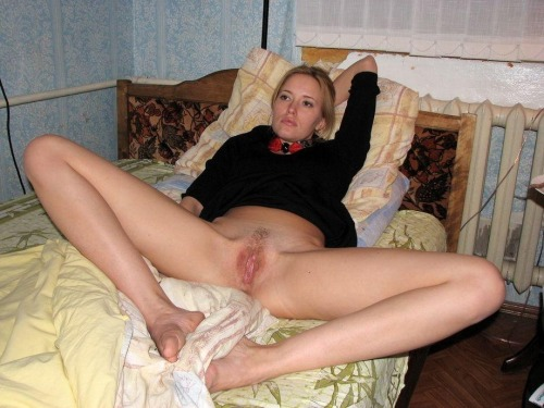 Over 30 moms legs spread
