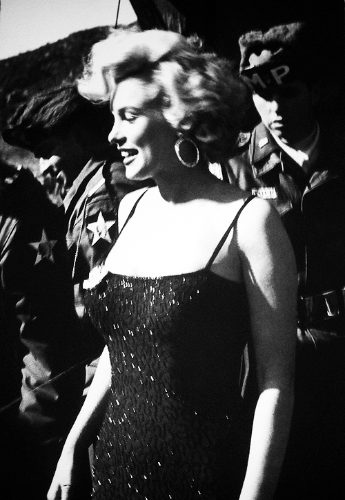 Marilyn in Korea,1954.