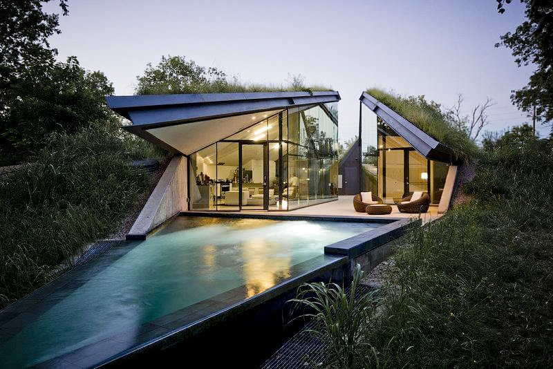gregmelander:  EDGELAND HOUSE A very nice angular house and pool via arkitekcher