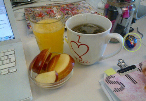 SO SMUG about my breakfast of Peppermint Tea, Berocca and Braeburn Apple.. I have absolutely no idea who put that Creme Egg there… No idea at all…