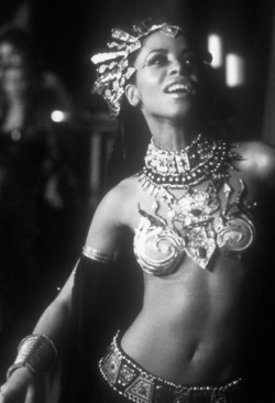 "Aaliyah As Akasha In ""Queen Of The Damned"" (2002)"
