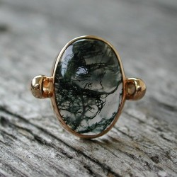 Moss Agate 14k rose pink gold ring (via fernirosso:)