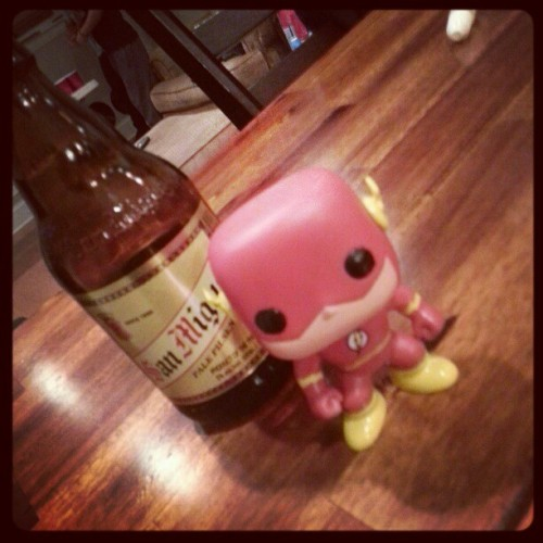 San miguel and flash all night!!! #theflash #dc #DCcomics #comics #toys #sanmiguel #beers