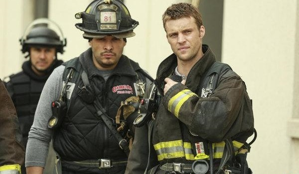 girlstalktv:  Chicago Fire | 1x24 'A Hell of a Ride' press release, promo & photos