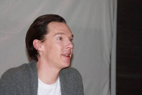 deareje:  more press junket portraits. #BenedictCumberbatch