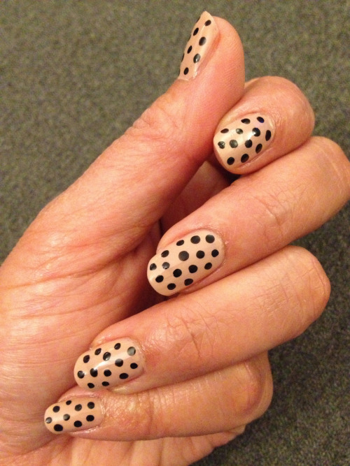 Nails of the week!! H&M - Nerd, Black Polish + Dotting Tool :)