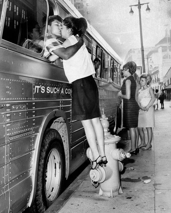 indypendent-thinking:  Farewell Kiss…1960s