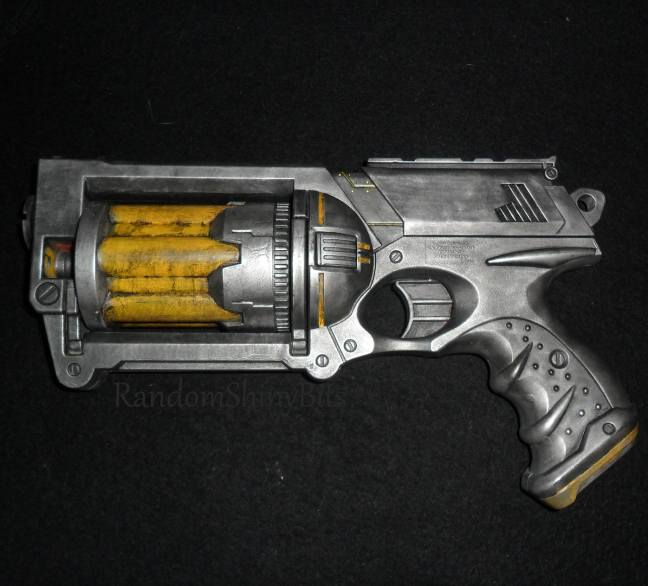 "inspiremesteampunk:  Distressed Deep Space Steampunk Gun by RandomShinyBits I was thinking ""Bioshock"", ""Dead Space"", ""oil rig"". Fully functional, comes with 6 darts inside the barrel. Check out this great submission!"