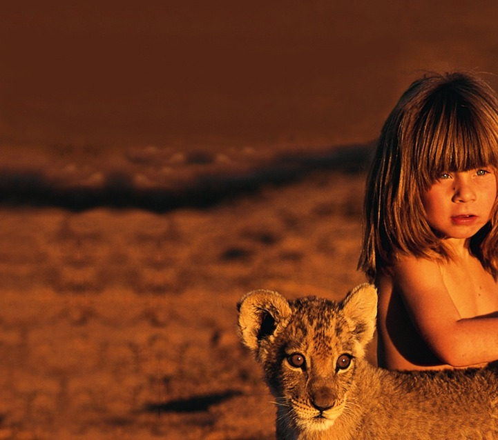 "escapekit:   Best Friends    Born in Africa to French wildlife photographer parents, Tippi Degré had a most unusual childhood. The young girl grew up in the African desert and developed an uncommon bond with many untamed animals including a 28-year old African elephant named Abu, a leopard nicknamed J&B, lion cubs, giraffes, an Ostrich, a mongoose, crocodiles, a baby zebra, a cheetah, giant bullfrogs, and even a snake. Africa was her home for many years and Tippi became friends with the ferocious animals and tribespeople of Namibia. As a young child, the French girl said, ""I don't have friends here. Because I never see children. So the animals are my friends.""    AHHHH"