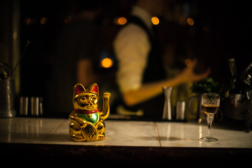 PortSide Parlour is a pop-up rum bar, with killer cocktails, in a plush basement, lit by candlelight & set to a backtrack of rock 'n' roll blues. Open from Wednesday to Sunday, so head down to try our tasty tipples