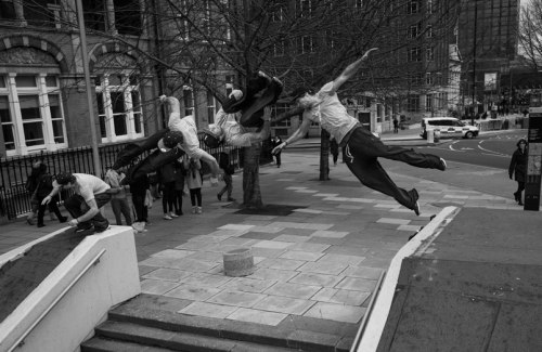 A still of THAT sideflip pre, from Kie Willis' 2013 showreel. The spot is IMAX in London!  Source: http://www.farang-mag.com/?p=3487