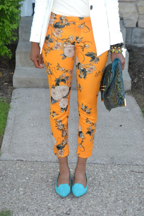 blackfashion:    R.I.T Grad    floral patterns and yellow and a fitted cut above the ankles give it all to me *makes grabby hands*