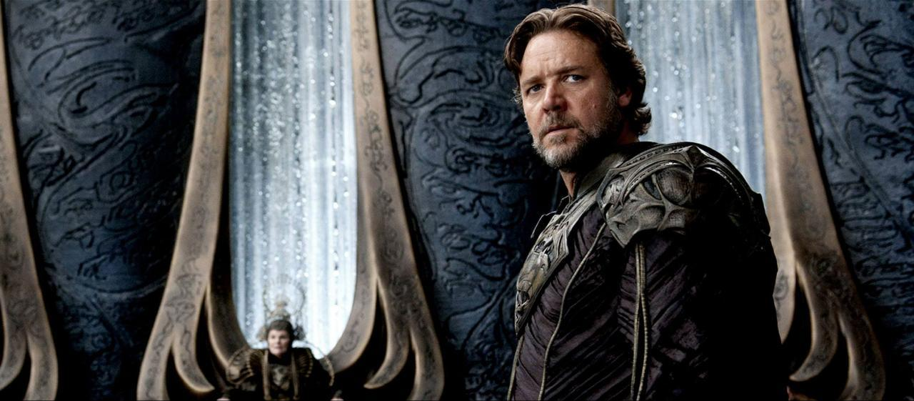 bohemea:  Russell Crowe in Man of Steel  Jor El Baratheon?