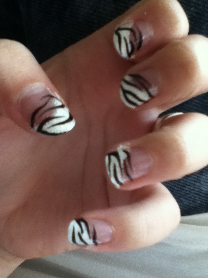 When I have more time again I should really start doing nailart again :)