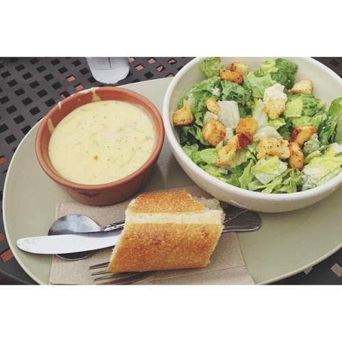 Lunch date with @jordannpowers and @shoneiripoll #panera (at Panera Bread)