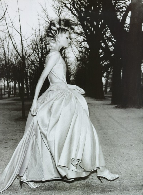 "80s-90s-supermodels:  ""La Couture Par Excellence"", Vogue France, March 1996Photographer : Mario TestinoModel : Kylie Bax"