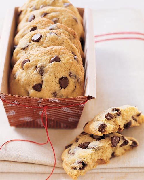in-my-mouth:  Big, Fat, Chewy Chocolate Chip Cookies