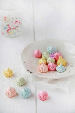 Meringues by decor8