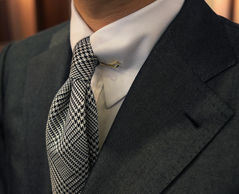 bntailor:  Shirt Collar Clip