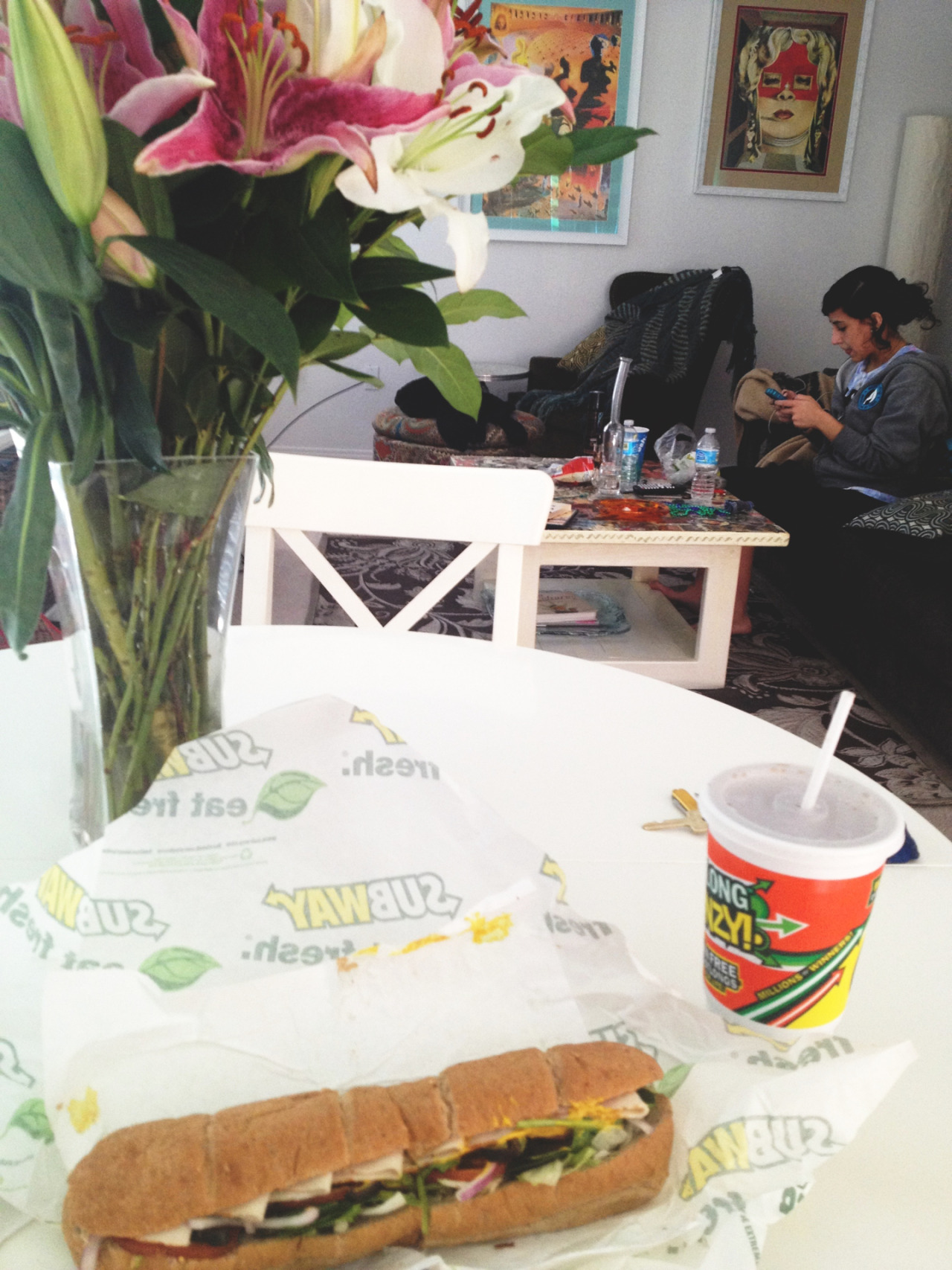 My day: drunk in the afternoon, adventures with the roomie, subway, comedy and good vibes.