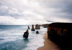 definitelydope:  twelve apostles (by preflyer)