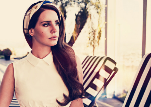 yayo-delreyxx:  more Lana of the Queen