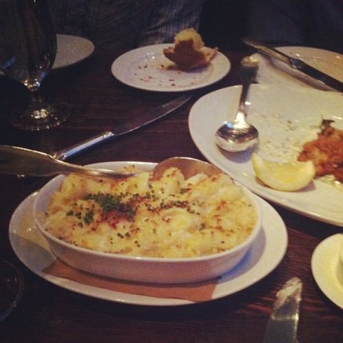 Mac 'n' cheese, pleeeease! Wayfare Tavern