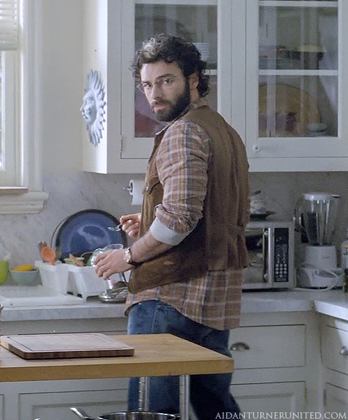 aidanturnerunited:  First look of Aidan Turner as Luke Garroway in the theatrical extended trailer for The Mortal Instruments: City Of Bones Watch here: http://trailers.apple.com/trailers/sony_pictures/themortalinstrumentscityofbones/