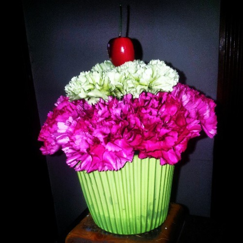 I got a #carnation #cupcake from my dear friend! Haha #adorable #cute #gaydorable #Birthday @weimar1032 #Happybirthday to me!