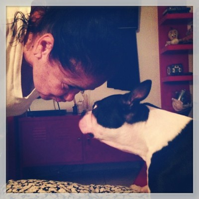 Nana & Puppy. Goodnight kiss. #jaspergram #jaspernana #ilovemypuppy #bostonterriers #nanamonologues
