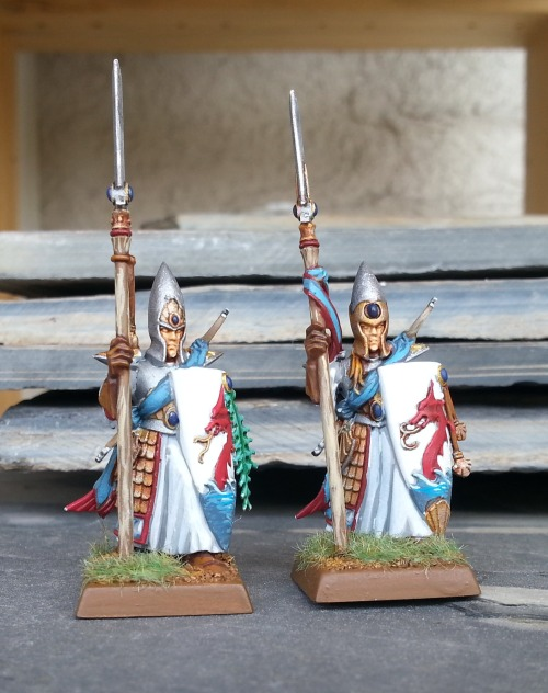 richardmac:  Finished some Lothern Sea Guard! I don't know if I like this colour scheme: I might have to make the sash red. At any rate, expect some more Elves on the horizon: I'm on a roll.