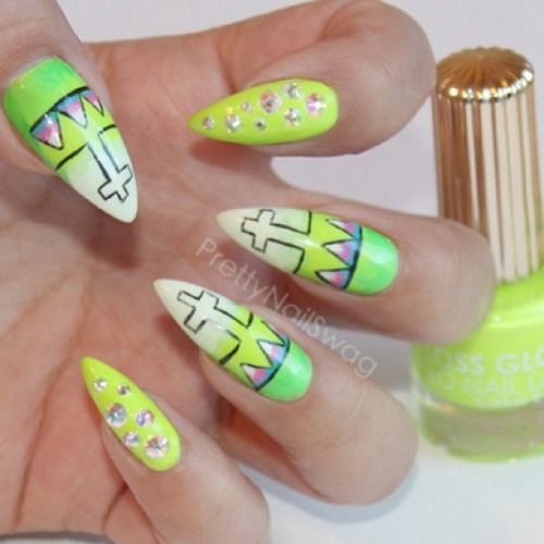 Con Limon X Glowstar @flossgloss for St Patty's Day 💚🍀✅🍻