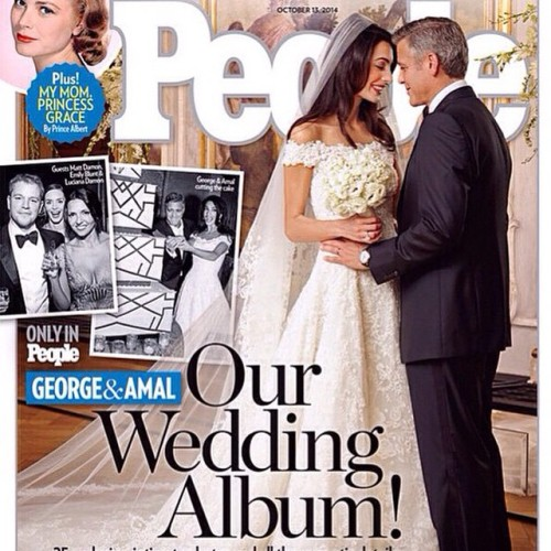 The first picture of Mr. & Mrs. George Clooney! We LOVE that she wore a gorgeous cathedral #veil!❤️❤️❤️❤️ #love #bridal #bling #beautiful #popular #georgeclooney #mrsclooney #italy