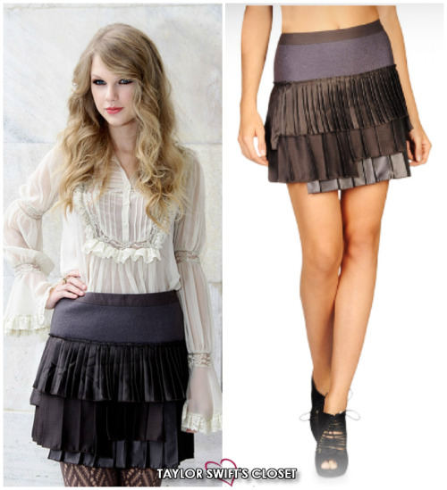 Roberto Cavalli Fashion Show | September 27, 2010