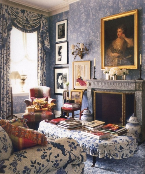 thefullerview:  (via Charlotte Moss - Veranda Magazine. This is a beautiful … | b l u e s)