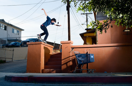 radsimi:  Stevie Perez- Backside nosebluntside.