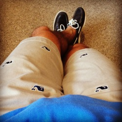thepreppyprince:  Sky's out thighs out