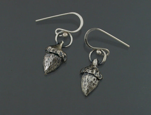 (via Petite Chased and Repoussed Silver Acorn by KSkilesJewelry on Etsy)