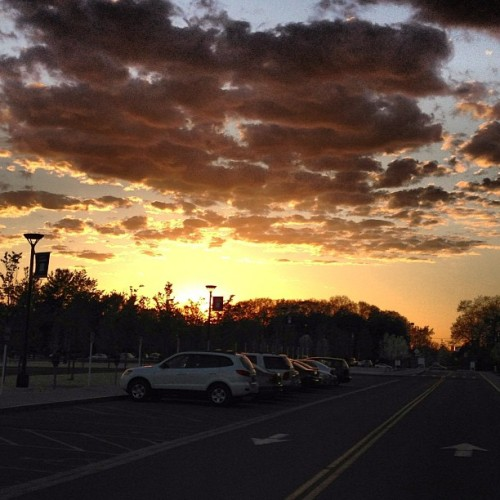 Gorgeous sunset tonight! ⛅ (at Dutch Quad Commons)