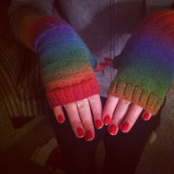 Beautiful fingerless mitts my mommy made me :3