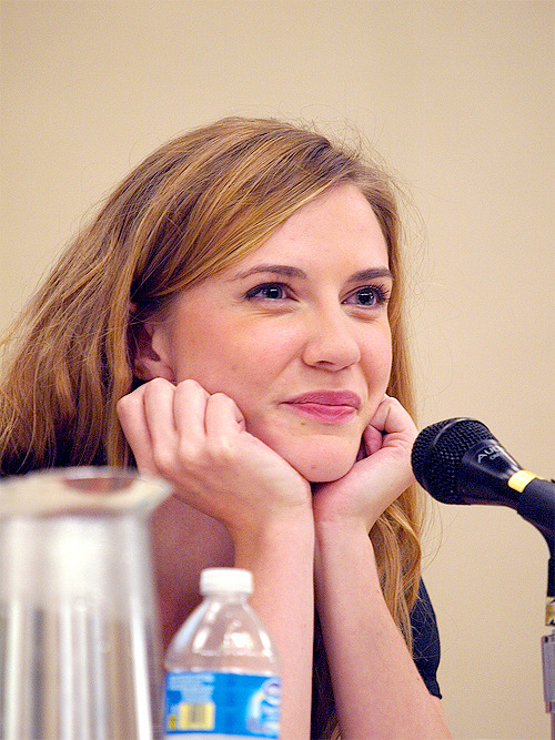 16/300 photos of Sara Canning